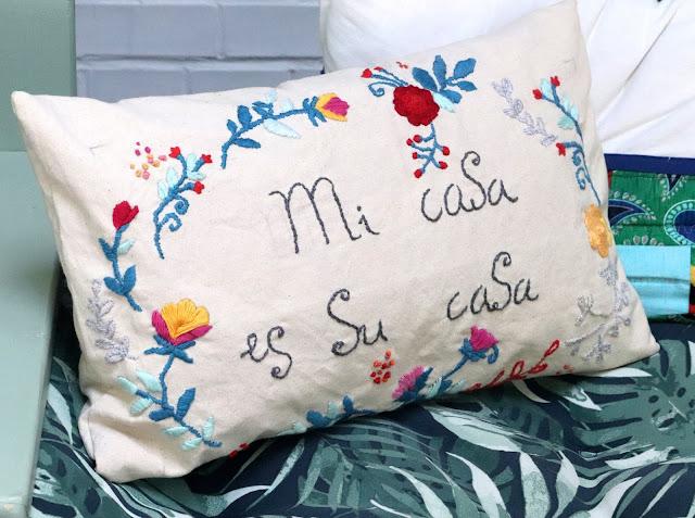 embroidered cushion mi casa  es su casa