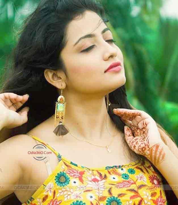 Hottest Ollywood Actress Sasmita Piyali Sahoo Wallpaper Download