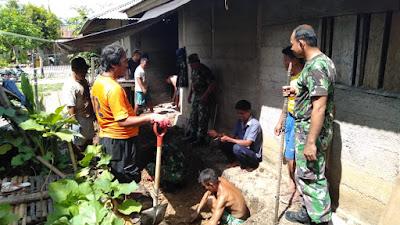 Koramil 1312-01/Kabaruan dan Posad Kabaruan Bantu Warga Desa Peret Buat MCK