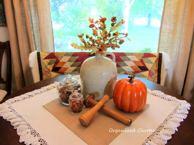 Fall Dining Table Display, Fall Quilt on Dining Pew