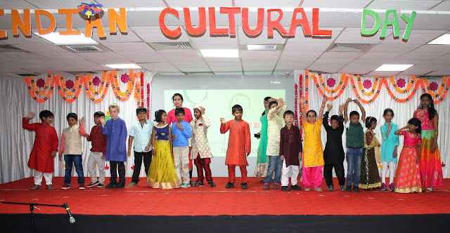 INTERNATIONAL STUDENTS CELEBRATED DIWALI IN DESI STYLE