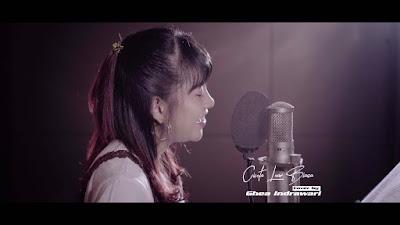 Download Lagu MP3 Ghea Indrawari - Cinta Luar Biasa