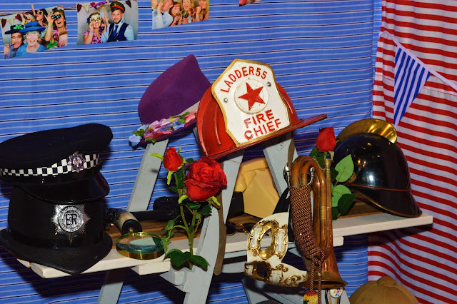 02 - BIC Wedding Fair - Daisy Roots - Vintage Photo Booth Dorset - Props