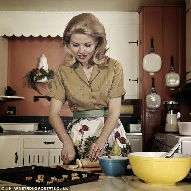Cosas de mujeres 2 la mujer debe cocinar la cena para su - Cenas sin cocinar ...