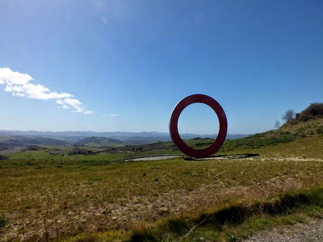 círculo rojo en Volterra