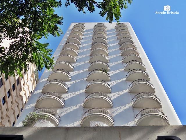 Perspectiva inferior da fachada do Edifício Paço De Valença - Higienópolis - São Paulo