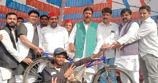 बेनी प्रसाद वर्मा मेमोरियल क्रिकेट टूर्नामेंट का पूर्व मंत्री राकेश वर्मा ने किया समापन