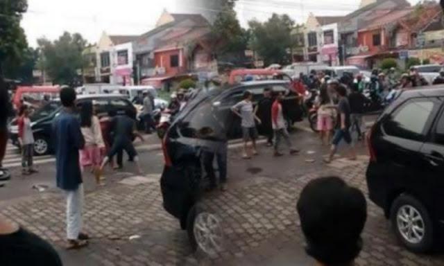 Video Awal Mula Anggota TNI AL Cekcok, hingga Dikeroyok Sejumlah Petugas Parkir di Ciracas