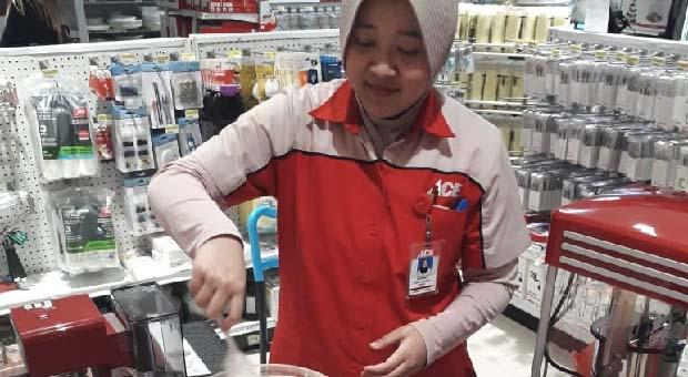 Meriahkan Boom Sale, Ace Hartono Sediakan Helpful Station
