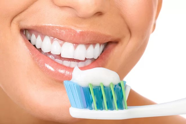 Be careful: your toothbrush has more bacteria than you think