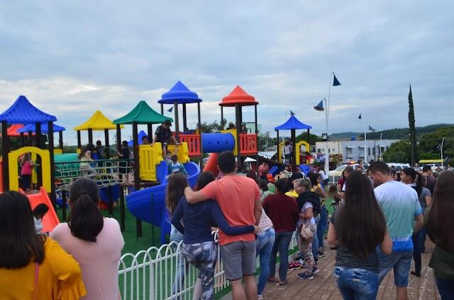 Inauguração do Playground da Praça Moysés Lupion