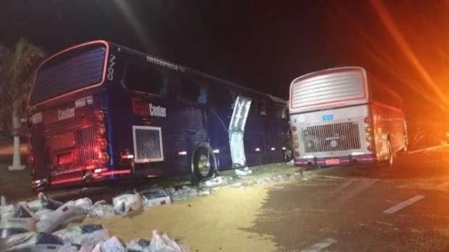 Acidente entre carreta e dois ônibus deixa sete feridos na BR 369, em Juranda