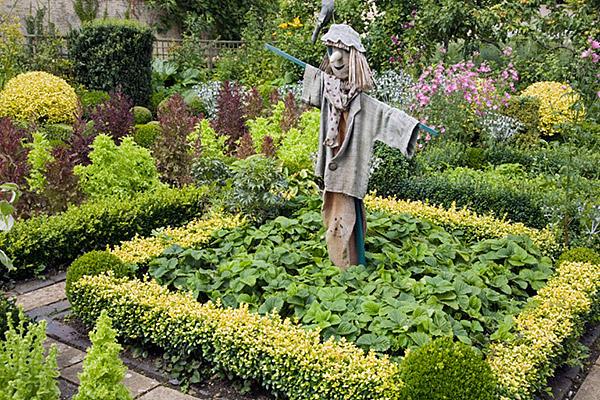 Garden Scarecrow, Barnsley House, as seen on linenandlavender.net, http://www.linenandlavender.net/2013/05/the-english-garden.html