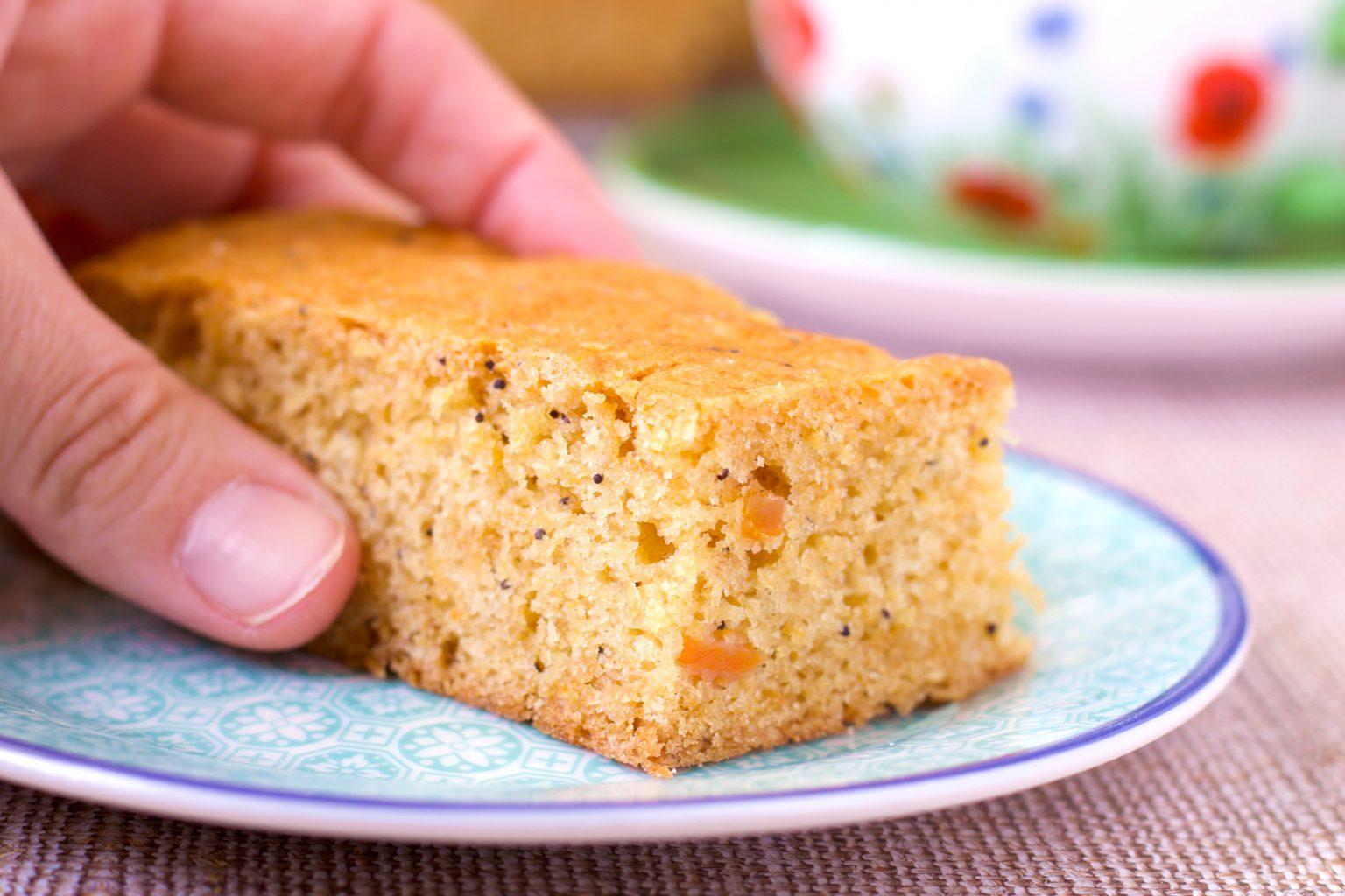 Просто и вкусно: пирог к чаю без яиц и молока, получается всегда!