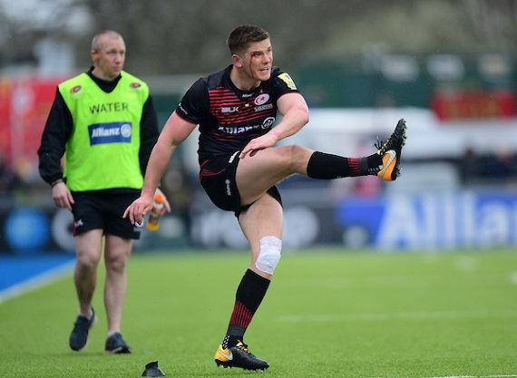 Owen Farrell of Saracens takes a penalty during an Aviva Premiership match between Saracens and Bath