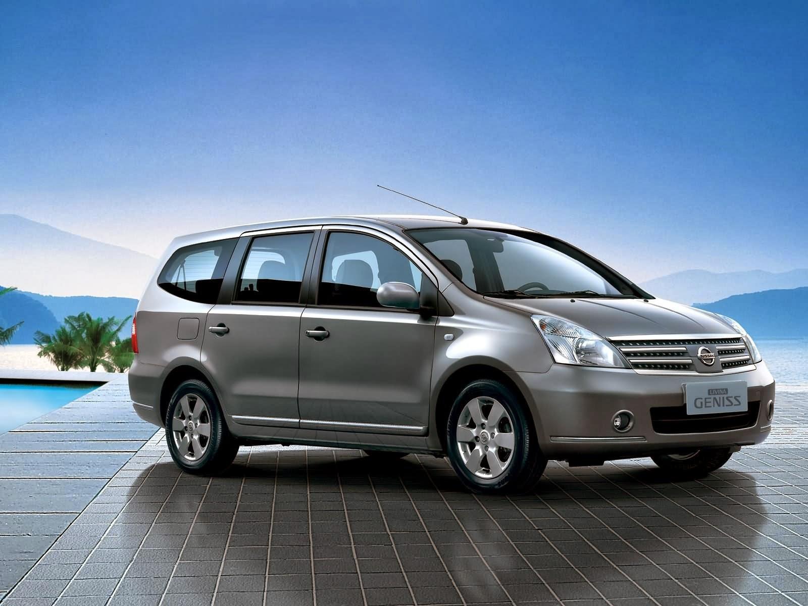 Nissan Livina Geniss Exterior Images