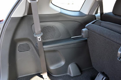 Baris ketiga Honda BR-V dilengkapi dengan speaker