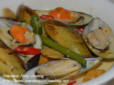 Green Mussels and Vegetables in Coconut Milk