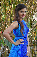 Tamil Actress Sanchita Shetty Latest Pos in Blue Dress at Yenda Thalaiyila Yenna Vekkala Audio Launch  0002.jpg
