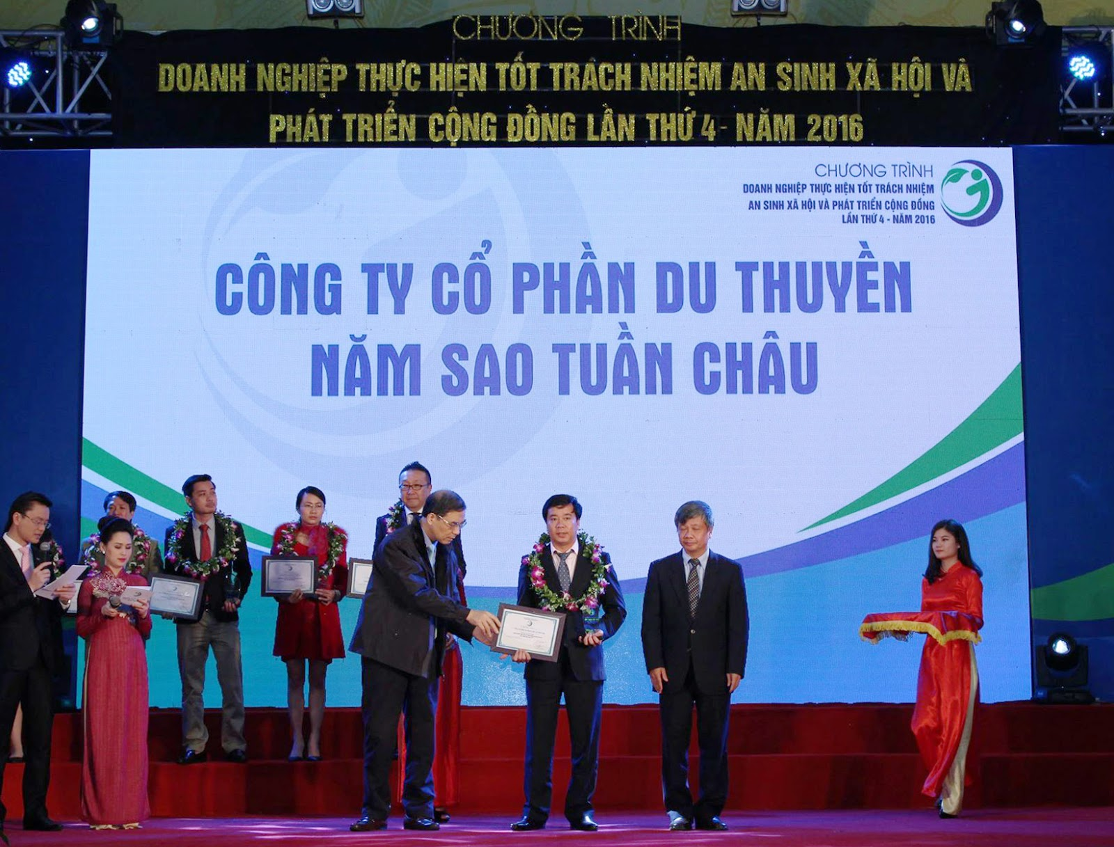 Wanderlust Tips Magazine   Paradise Vietnam was awarded for excellent contribution to social welfare
