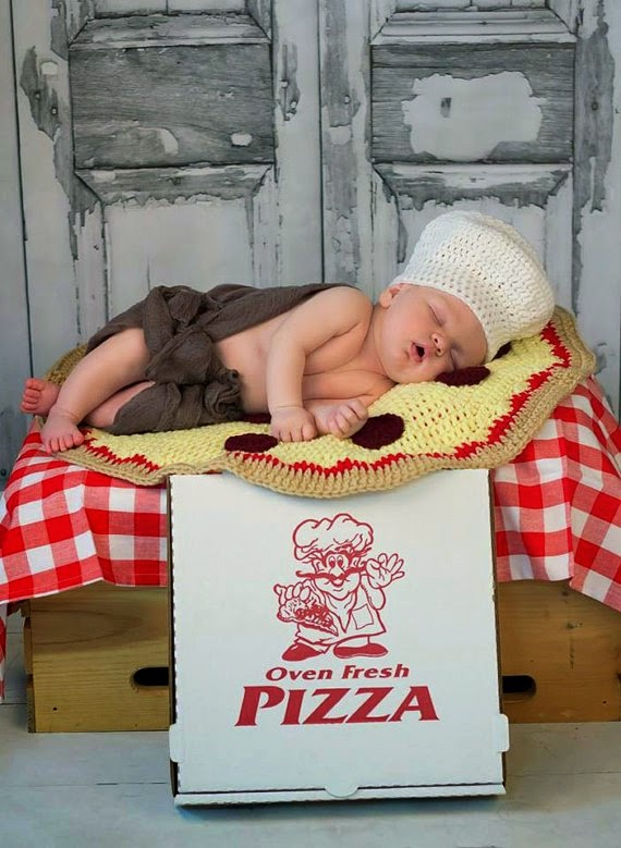 https://www.etsy.com/listing/186924990/crochet-pizza-blanket-with-baker-chef?ref=favs_view_5