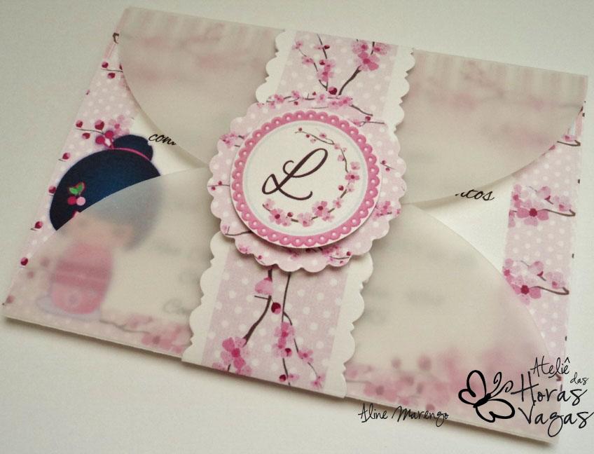 convite artesanal provençal oriental kokeshi sakura flor de cerejeira rosa menina aniversário