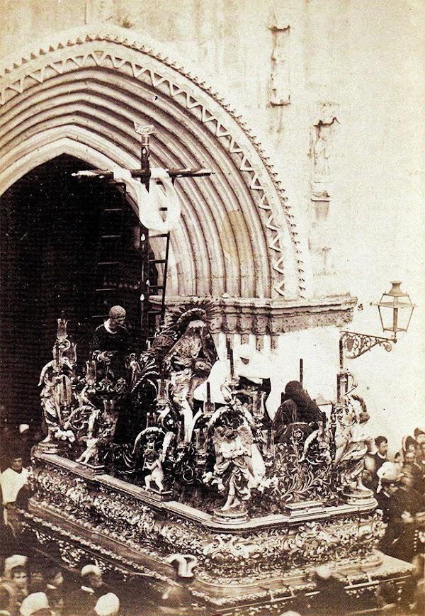 El paso de la Mortaja, la pervivencia barroca en la Semana Santa de Sevilla