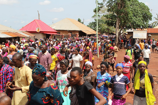 The Crowd/Multitude During The Passion Of Christ (Passion Play) ____Photo/Video Speak: Saint Anthony Parish Otukpo Passion Of Christ (Passion Play) 2017___