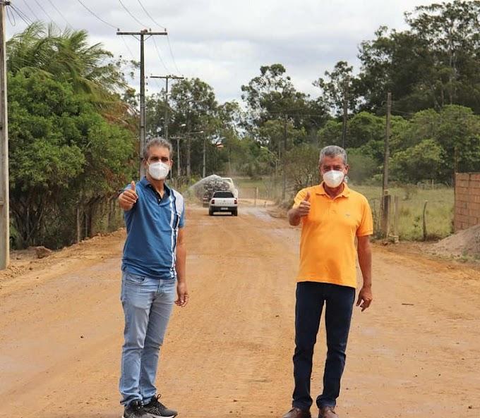 Em visita a Cruz das Almas, Robinson destaca avanço das obras da estrada Toquinha-Pumba