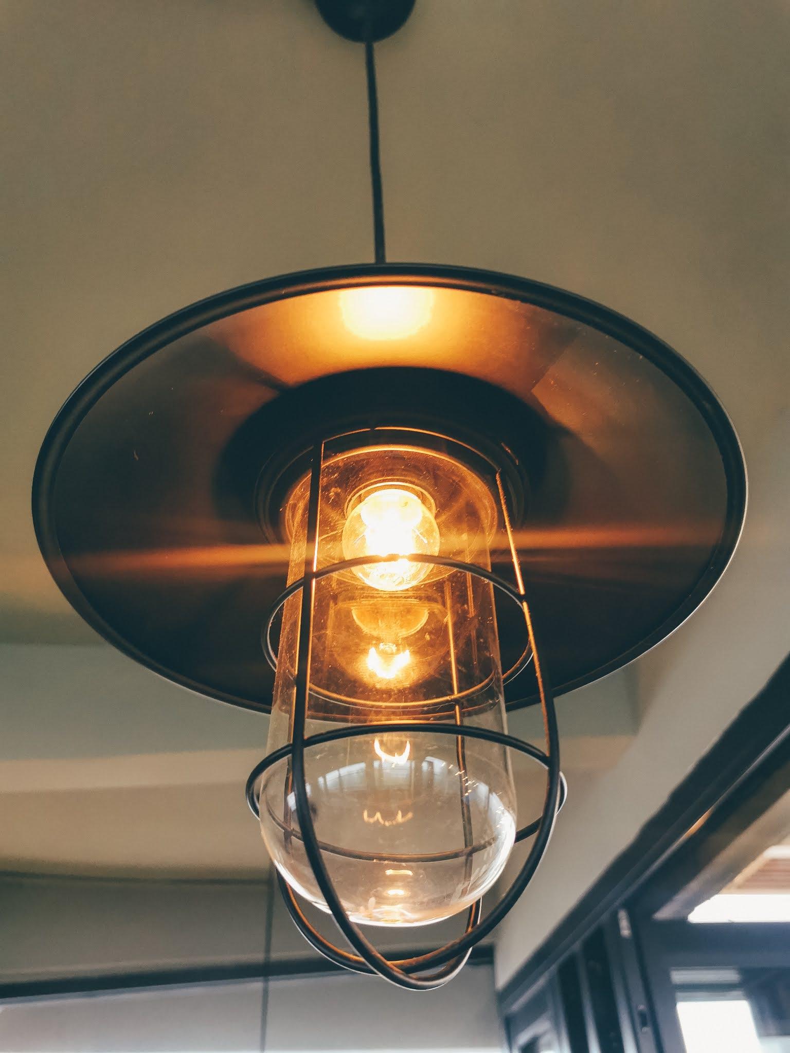jak zaplanować oświetlenie w domu