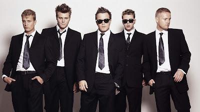 resmi giyinmek, erkek ve kravat