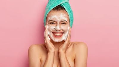 Cara mencuci muka yang benar untuk kesehatan kulit