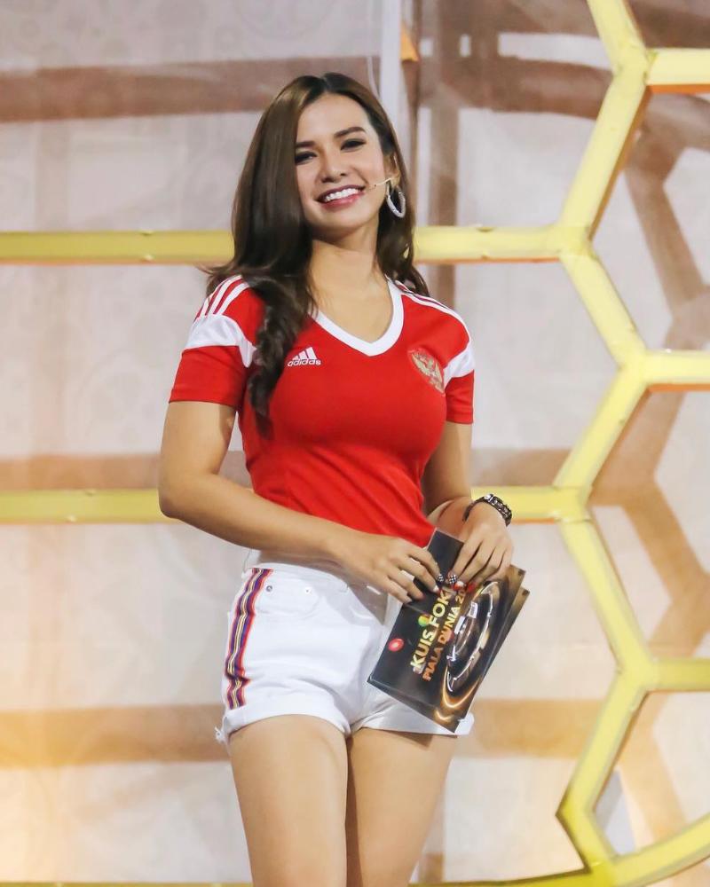 Maria Vania Sexy Jersey Football Austria