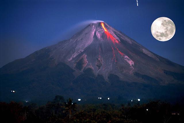 gunung merapi tempat pemujaan dan juga pesugihan untuk mencari kaya