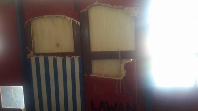 Sekjen KNPB dan Puluhan Orang Ditahan, Pintu Bergambar Bendera Papua dan KNPB Juga Dirusak