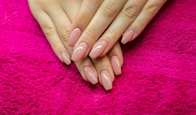 Here's What You Need to Know Before Getting Nail Extensions