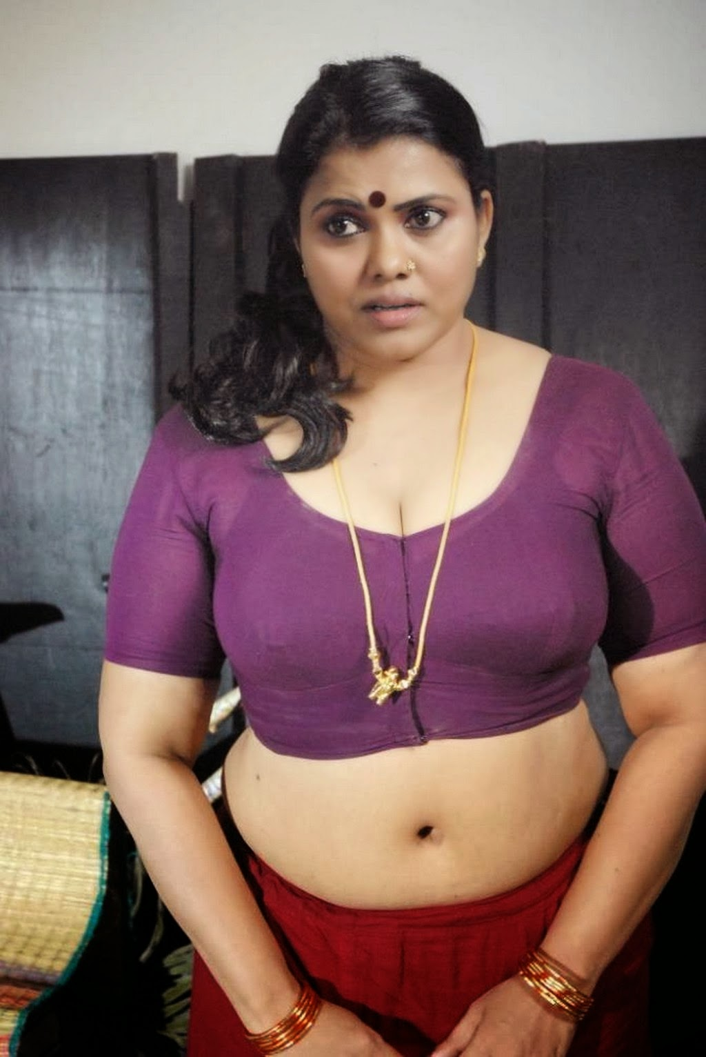 Tamil Desi Mallu Aunty Blouse Show Photos, Tamil Old Aunty -5979