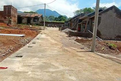 tanah padat pinggir jalan desa di pinggiran kota bandung