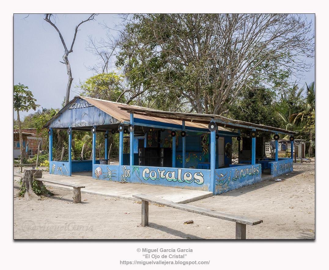 Isla Grande, Colombia. Discoteca «Los Corales»