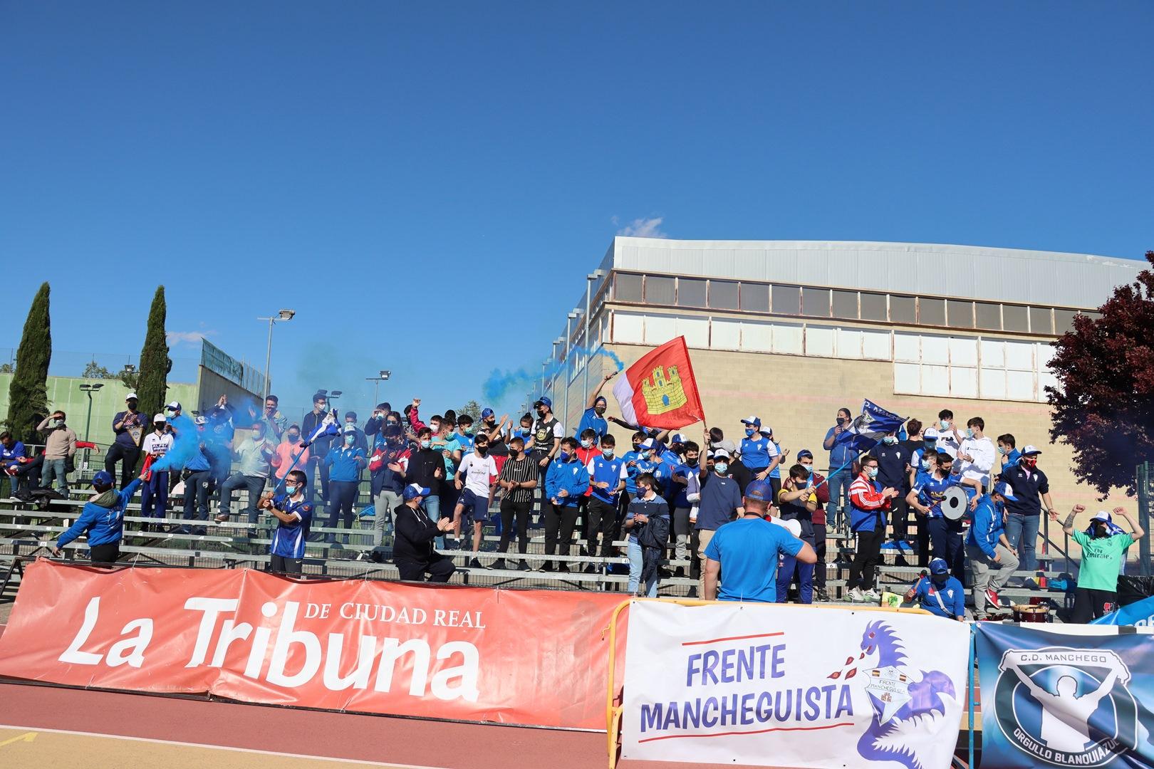 Orgullo Blanquiazul acompañó al equipo hasta Guadalajara
