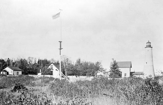 Thunder Bay Light House 1913