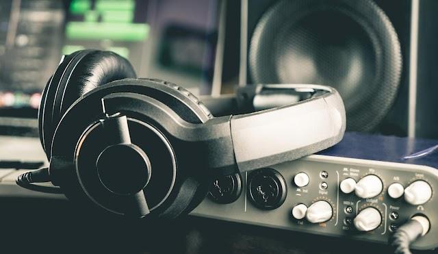 Có nên mua loa, tai nghe cũ không? Các bước chọn mua và lưu ý khi mua quan trọng nhất bạn cần biết