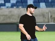 """""""O Gianni Freitas nos deixou na mão"""", diz dirigente do Mixto. Técnico nega culpa no rebaixamento e lamenta situação"""
