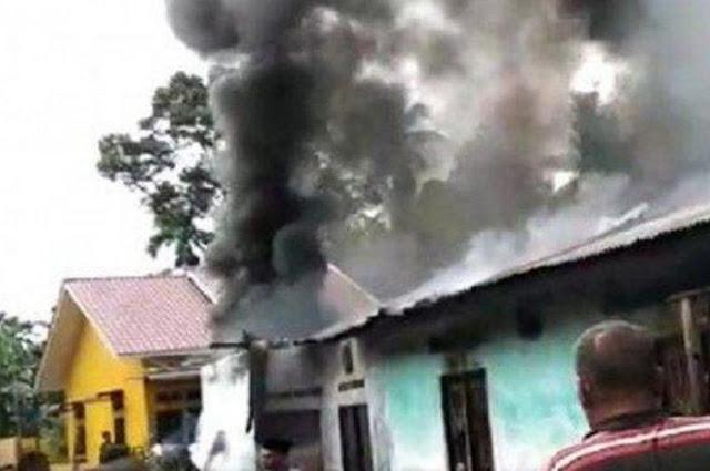 30 Orang Tewas Terpanggang Gara Gara Pabrik Korek Api Kebakaran. Jenazah Jenazah itu Menumpuk dalam Satu Ruangan