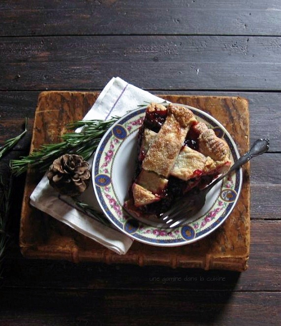 Cranberry Pie with Rosemary Crust | une gamine dans la cuisine