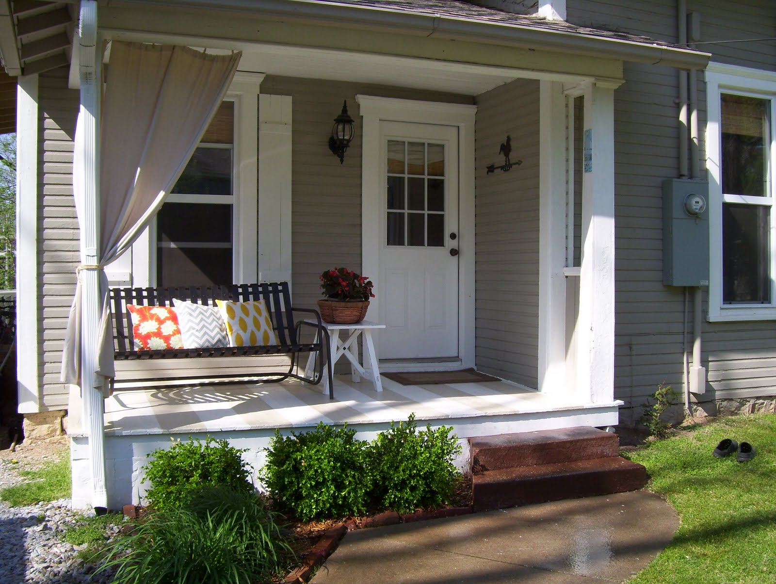 vintage home love: Front and Side Porch Redo on Side Patio Ideas id=71065