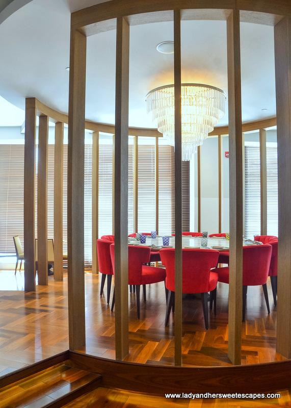 Al Maeda Restaurant interior