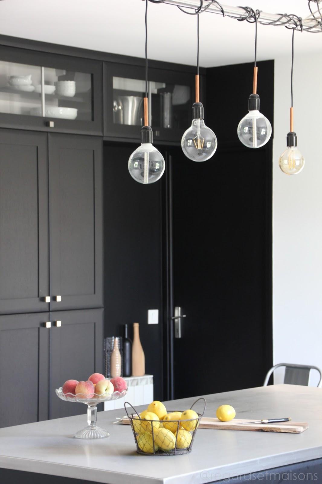 regardsetmaisons comment j 39 claire ma cuisine avec une. Black Bedroom Furniture Sets. Home Design Ideas