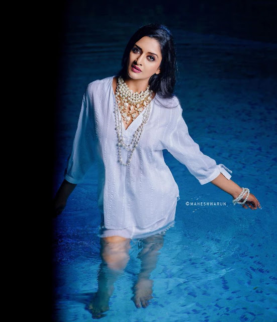 Indian Actress Vimala Raman Hottest Pictures in White Dress Actress Trend