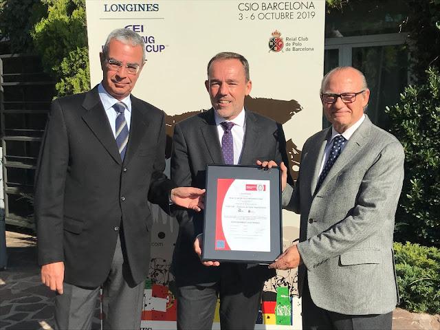 Foto: Santiago Mercé, presidente del CSIO Barcelona; Bertrand Martin, presidente ejecutivo de Bureau Veritas, y Emilio Zegrí, presidente de la Fundación RCPB.